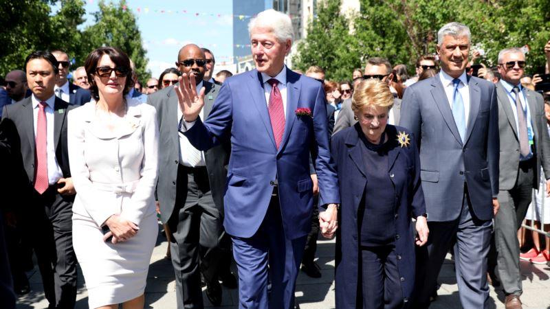 Klinton i Olbrajt u Prištini: Najveće dostignuće Kosova - 20 godina mira