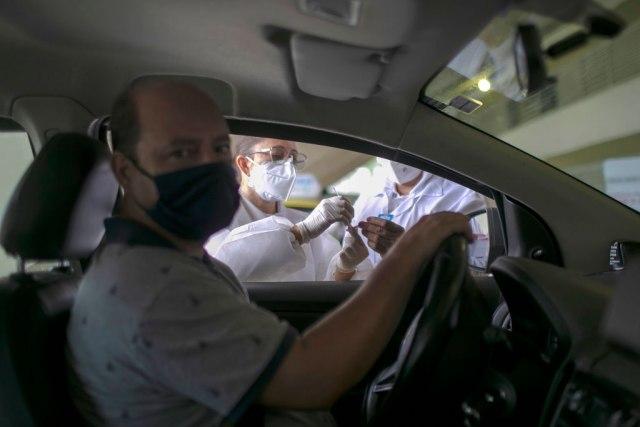 Ko oseti simptome kovida-19 taksijem stiže test na kućnu adresu