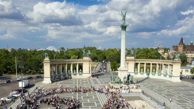 Ko to pati u Mađarskoj, država ili narod