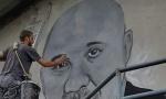 Kod Doboja meštani odali priznanje velokom čoveku i doktoru: Mural lekaru Laziću
