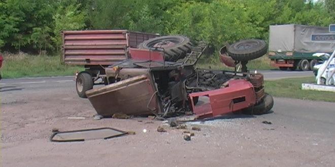 Kod Sefkerina auto udario u traktor, vozač poginuo