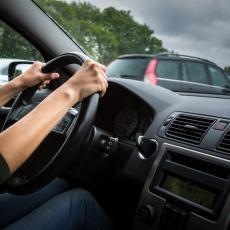Koliko daleko auto može da stigne BEZ IJEDNE KAPI ULJA u menjaču?