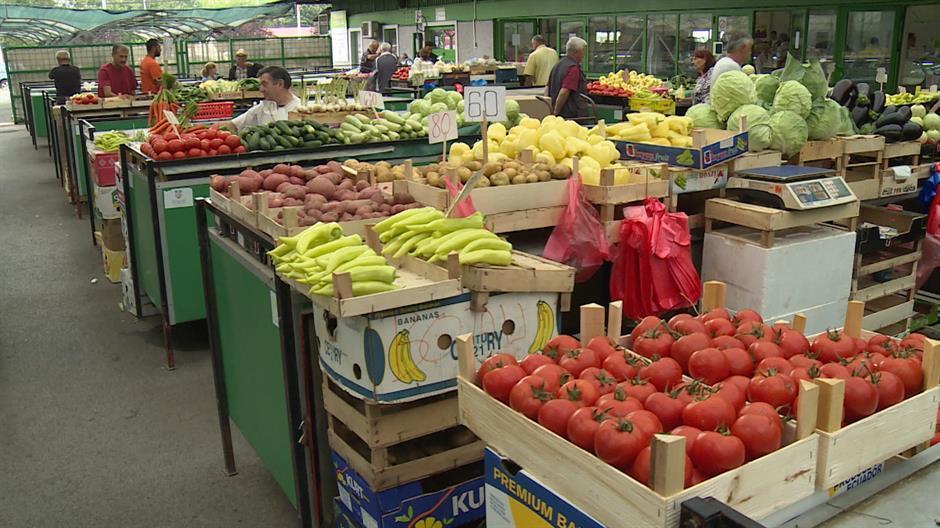 Koliko nam novca treba za kupovinu voća i povrća?