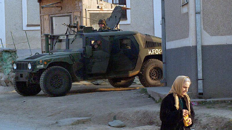 Komandant KFOR-a: Na Kosovu stabilno, odnosi sa Srbijom opterećuju stanje