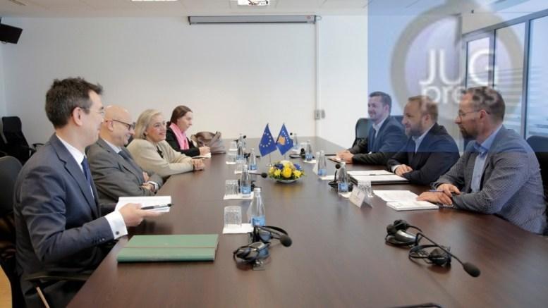 Komandant civilnih operacija EU u poseti Kosovu