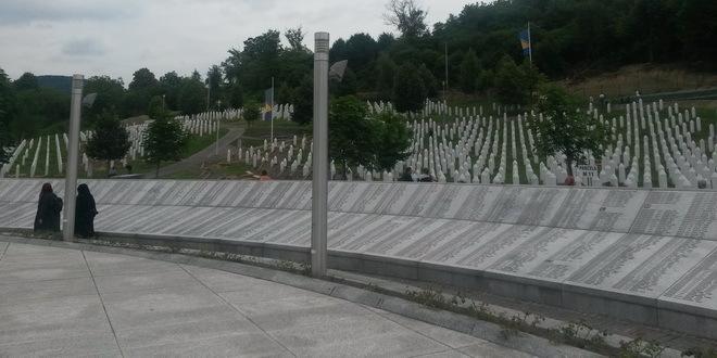 Potočari:Komemoracija žrtvama Srebrenice