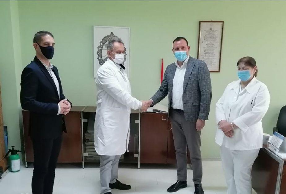 Kompanija Kalcedonija donirala je Opštoj bolnici Kikinda aspirator i dve infuzione pumpe