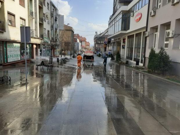 Komrad izvršio dezinfekciju gradskih ulica