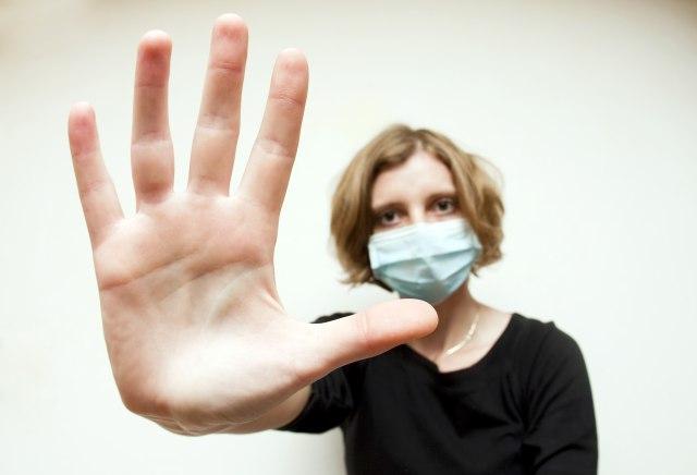 Komšije odlučuju o nošenju maski na poslu 1. juna