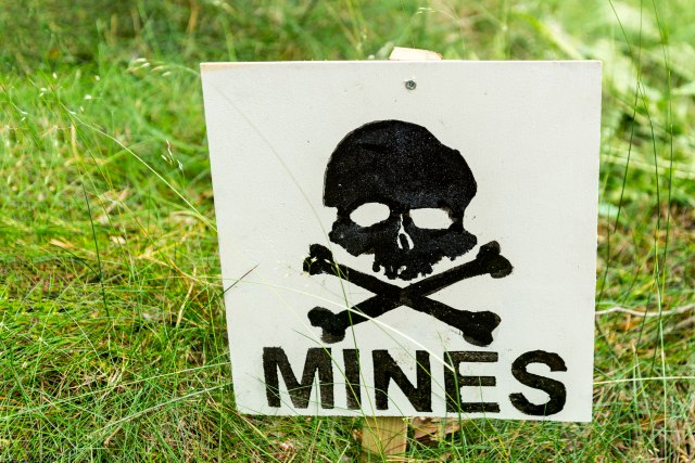 Komšije prodaju minsko polje?