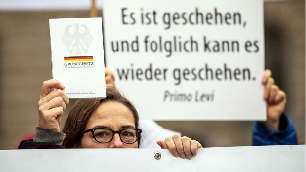 Kontroverze oko pojma rasa u nemačkom ustavu