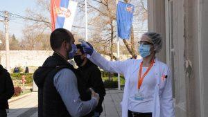 Korona virus: Još pet smrtnih slučajeva u Srbiji, skoro 100.000 preminulih u svetu
