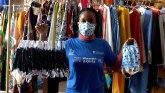 Korona virus: Kako monasi, modni dizajneri i destilerije pomažu u borbi protiv Kovid-19