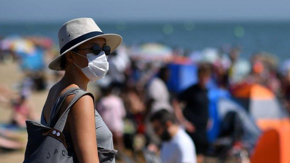Korona virus: Oprezno sa trećom dozom vakcine – kaže farmakolog iz Srbije, u Tokiju najveći broj dnevnih slučajeva zaraze od početka pandemije
