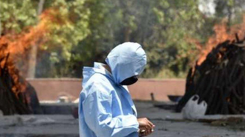Korona virus: U Srbiji preminulo još 35 ljudi, u Indiji borba za respiratore i slobodan bolnički krevet