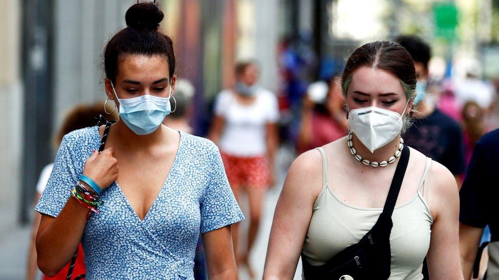 Korona virus: U Srbiji više od 1.300 novozaraženih, za sada bez novih mera, dok Nemačka uvodi policijski čas