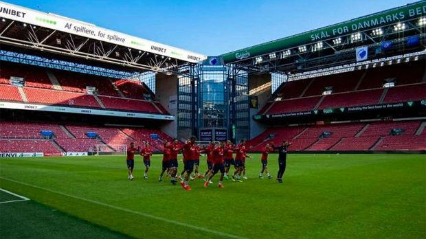 Korteo navijača Zvezde u Kopenhagenu uoči utakmice