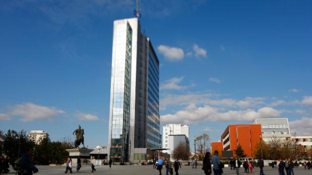 Kosovska vlada traži uklanjanje bilborda zahvalnosti Hardinaju