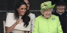 Kraljica Elizabeta i Megan na prvom putu bez princa Harija