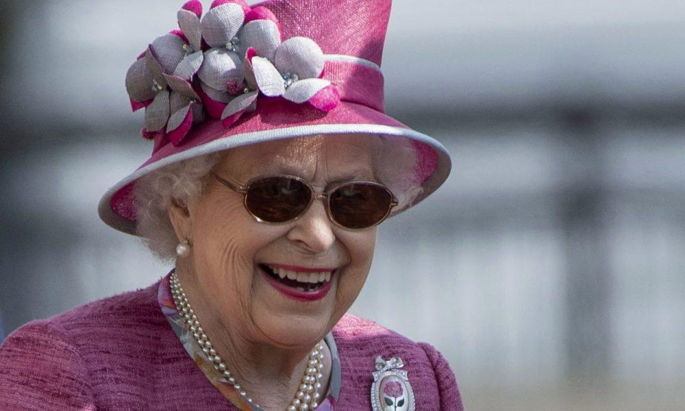 Kraljica Elizabeta prvi put u javnosti nakon 7 meseci, u pratnji princa Vilijama: Dočekani oštrim kritikama! (FOTO)