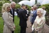 Kraljica nasmejala lidere G7