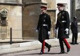 Kraljica odlučila šta će Hari obući na sahrani princa Filipa