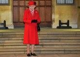 Kraljica se obraća par sati pre intervjua Hari i Megan