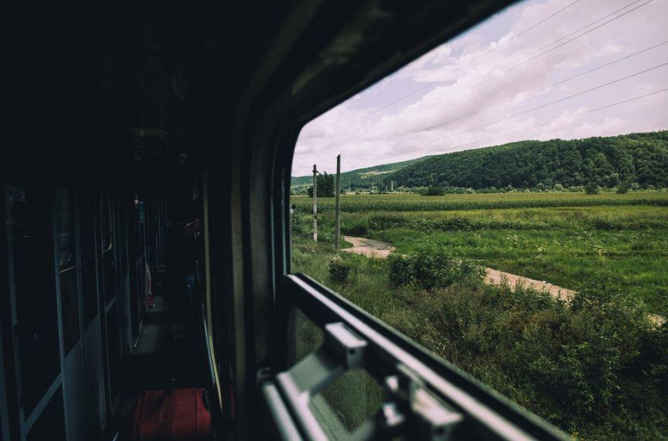 Krenuo dnevni voz za Bar, popusti i u Crnoj Gori