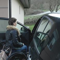 Kristina je pravi heroj: Nakon povrede kičme ostala je invalid i život joj se preko noći potpuno promenio (FOTO)