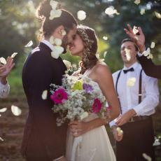 Kristina je rekla kumi da može da obuče bilo šta za venčanje, a onda je USLEDIO MUK kad se pojavila (FOTO)