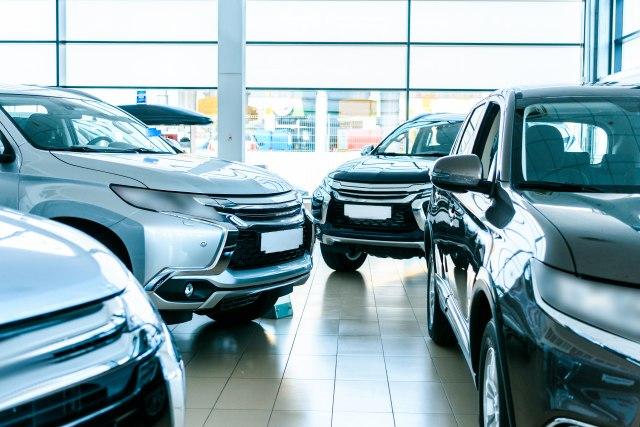 Kriza na najvećem svetskom tržištu: Opala prodaja automobila, električne kupci zaobilaze