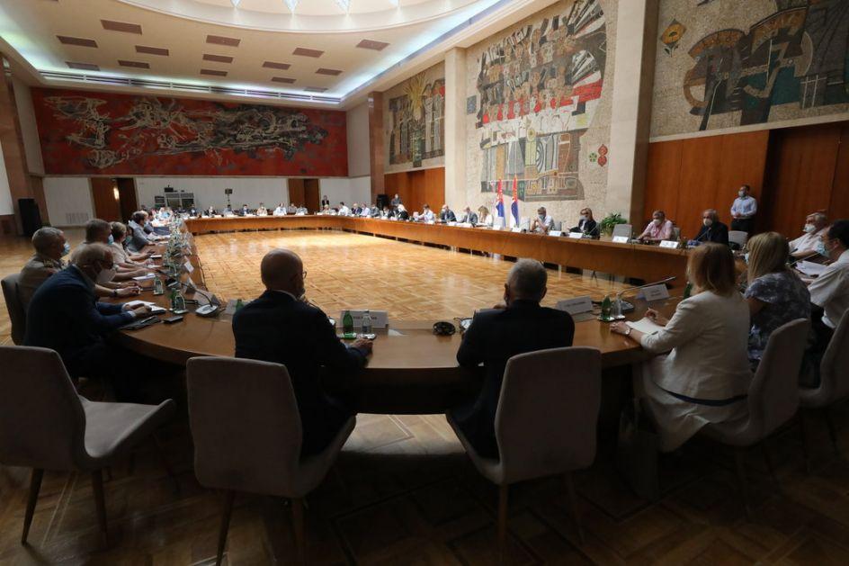 Krizni štab: Maske obavezne i na otvorenom, važi za celu Srbiju