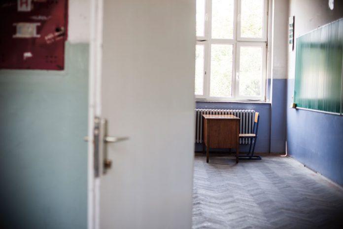 Krizni štab odlučio: Učenici nižih razreda u učionicama od po 15 đaka, stariji će imati i onlajn nastavu…