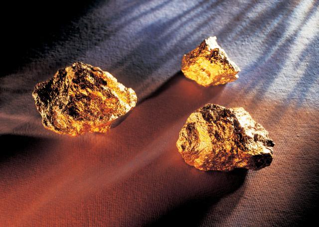 Orban nešto zna, skuplja zlato, vraća kući