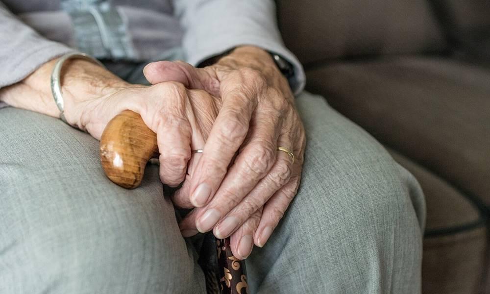 Kućna nega ili starački dom – prednosti i mane