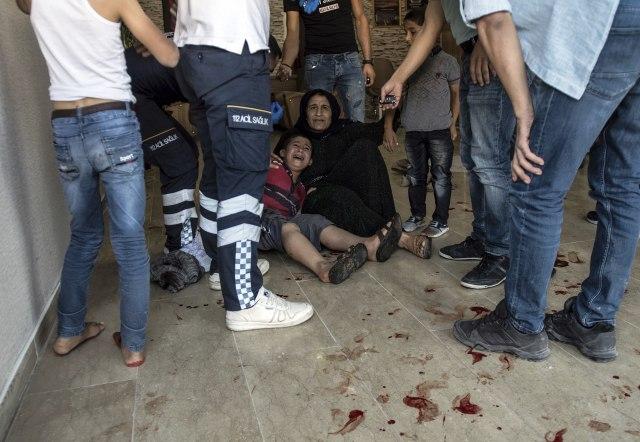Kurdi minobacačem na turske gradove, poginula beba