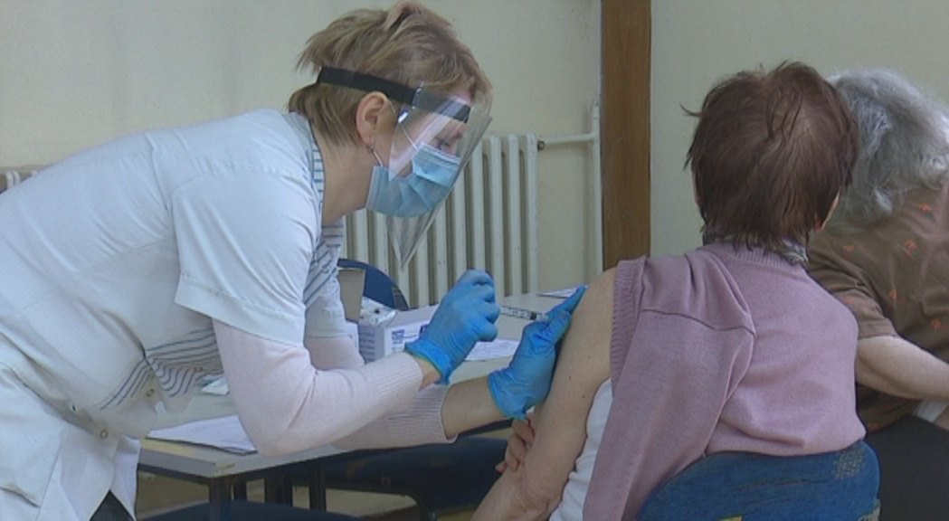 Kuršumlija: U Domu zdravlja i naredne nedelje vakcinacija građana sa Kosova i Metohije