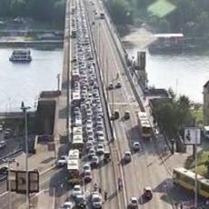 LANČANI SUDAR na Brankovom mostu, a ONDA još jedan UDES centru Beograda: Zastoj, policija na terenu (FOTO)