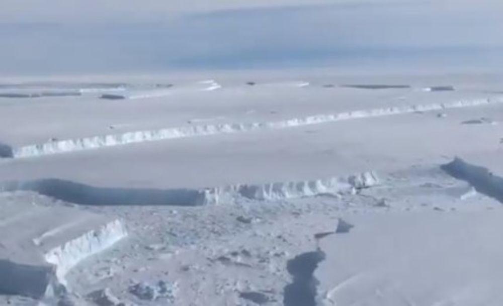 LED NA ANTARKTIKU NAPADAJU NEBESKE REKE: Ova pojava otvara rupe u pokrivali, i moćno menjaju klimu (VIDEO)
