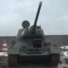 LEGENDA NE ODLAZI U ZABORAV: Čuveni T-34 i dalje prkosi najvećim izazovima na izvanredan način (VIDEO)
