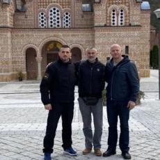 LEGENDARNI MMA BORAC POSETIO GROB PATRIJARHA PAVLA: Fedor Emeljanenko pokazao koliko VOLI Srbiju!