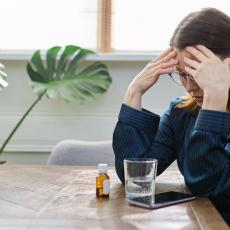 LEK NIKADA NE TREBA PITI BEZ VODE: Možete izazvati KOMPLIKACIJE čije simptome dugo NEĆETE prepoznati!