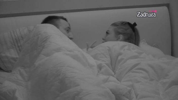 LEPO SPAVAJTE: Maja i Tomović ŠAPUTALI u krevetu, Marinkovićeva mu rekla da je OPASAN, Janjuš im poželeo OVO! (VIDEO)