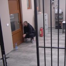 LJUBAV PREKO REŠETAKA! Mensur još u zatvoru Zadruge, Mina dotrčala da ga vidi! (VIDEO)