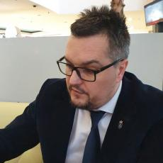 NEMOJ IZIGRAVATI MANGUPA, KADA TO NISI Gojković poslao poruku Jeremiću povodom upada u predsedništvo