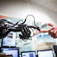 LJUDSKA CIVILIZACIJA SE NALAZI NA PREKRETNICI: Razvoj tehnologije donosi velike i opasne promene