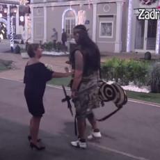 LJUT KAO RIS! Nadica posle Kijinih PRETNJI, prišla Kristijanu, on joj OBJASNIO kako stvari stoje napolju!