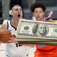 LOVA DO KROVA: Jokić POTPISUJE novi UGOVOR! Postaće najplaćeniji igrač u NBA ligi