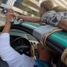 LUDA SCENA IZ CENTRA GRADA! Momak vozio devojku NA KROVU - razlog će vas zaprepastiti (VIDEO)