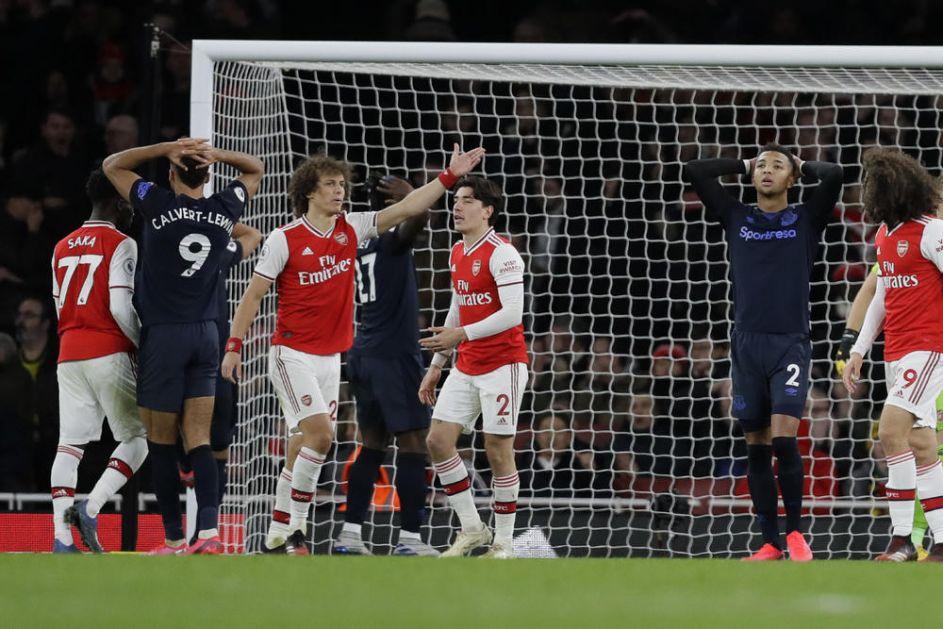 LUDO PRVO POLUVREME: Arsenal pobedio Everton u goleadi u Londonu